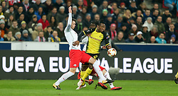 15.03.2018, Red Bull Arena, Salzburg, AUT, UEFA EL, FC Salzburg vs Borussia Dortmund, Achtelfinale, Rueckspiel, im Bild Valon Berisha (FC Salzburg) und Michy Batshuayi (Borussia Dortmund) // during the UEFA Europa League Round of 16, 2nd Leg Match between FC Salzburg and Borussia Dortmund at the Red Bull Arena in Salzburg, Austria on 2018/03/15. EXPA Pictures © 2018, PhotoCredit: EXPA/ Roland Hackl