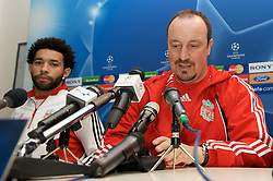MILAN, ITALY - Monday, March 10, 2008: Liverpool's manager Rafael Benitez and Jermaine Pennant during a press conference at the San Siro Stadium ahead of the UEFA Champions League First knockout round 2nd Leg match against FC Internazionale Milano. (Pic by David Rawcliffe/Propaganda)