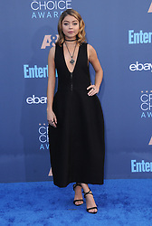 Sarah Hyland  bei der Verleihung der 22. Critics' Choice Awards in Los Angeles / 111216