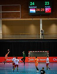 Klaas Jan van de Weij in action during the European Championship qualifying match against Turkey in the Topsport Center Almere.
