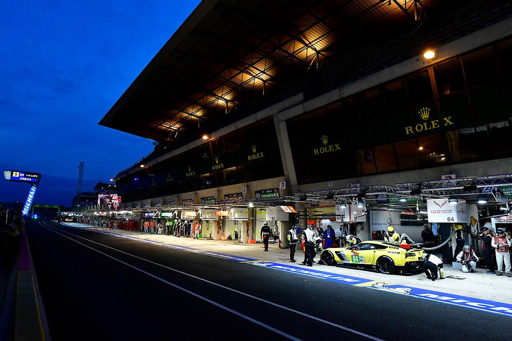 #64 Corvette Racing Chevrolet Corvette C7.R: Oliver Gavin, Tommy Milner, Marcel Fassler, pit stop<br /> Sunday 17 June 2018<br /> 24 Hours of Le Mans<br /> 2018 24 Hours of Le Mans<br /> Circuit de la Sarthe  FR<br /> World Copyright: Scott R LePage