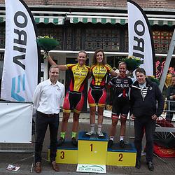 21-08-2016: Wielrennen: Boeskoolronde Oldenzaal: Oldenzaal<br />OLDENZAAL (NED) wielrennen  <br />Podium ronde van Oldenzaal vrouwen met Karen Elzing, Sandra van Veghel en Evy Kuijpers