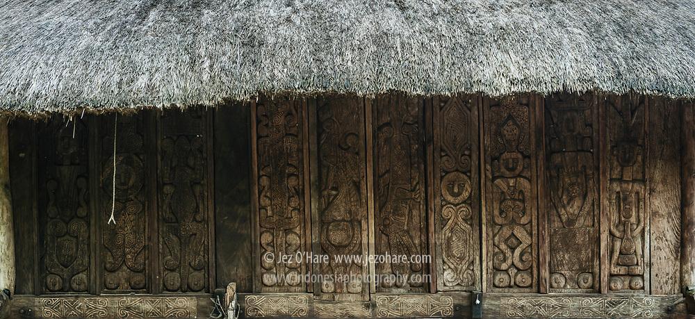 Karya Yosep Besin, Pemahat Kayu, Dusun Webora, Desa Raimanus, Kabupaten Belu, Timor, Nusa Tenggara Timur, Indonesia.