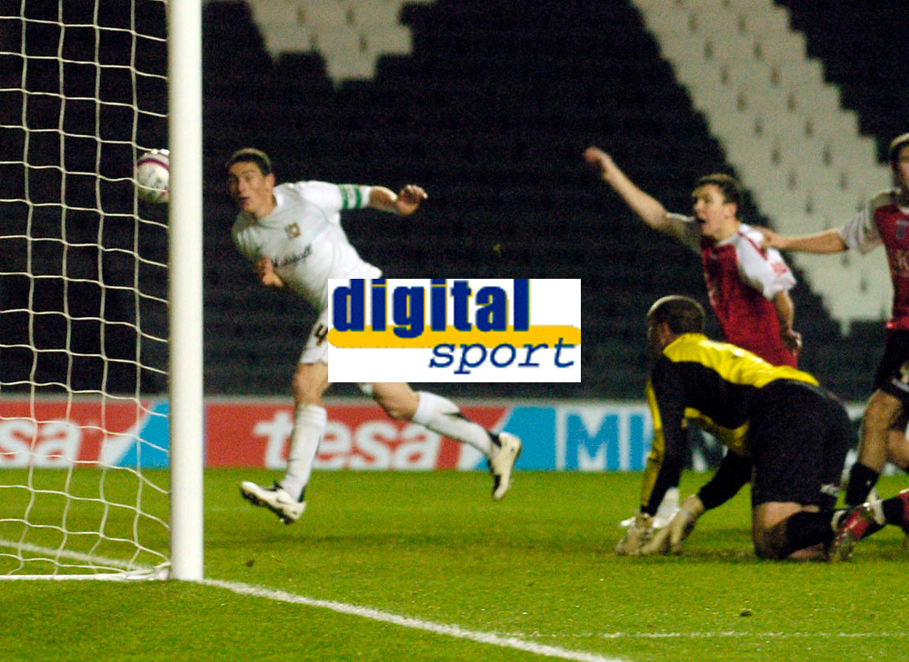 Photo: Leigh Quinnell/Sportsbeat Images.<br /> Milton Keynes Dons v Chesterfield. Coca Cola League 2. 24/11/2007. Keith Andrews scores for MK Dons but it is not given by the referee because of hand ball.