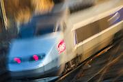 Passage du TGV en gare