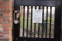 Closure notice due to Foot and Mouth disease attached to park gate,
