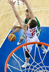 Samo Udrih (6) of Slovenia and Omer Asik of Turkey during the EuroBasket 2009 Group F match between Slovenia and Turkey, on September 16, 2009 in Arena Lodz, Hala Sportowa, Lodz, Poland.  (Photo by Vid Ponikvar / Sportida)