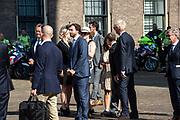 Vertrek van Politici voorafgaand het voorlezen van de troonrede in de Grote Kerk aan leden van de Eerste en Tweede Kamer vanaf het Binnenhof.<br /> <br /> Op de foto:   Thierry Baudet en Theo Hiddema