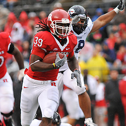 Sep 12, 2009; Piscataway, NJ, USA; Rutgers running back Jourdan Brooks (39) runs for a touchdown during the first half of Rutgers' 45-7 victory over Howard in NCAA College Football at Rutgers Stadium.