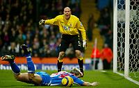 Fotball<br /> Premier League England 2004/2005<br /> Foto: BPI/Digitalsport<br /> NORWAY ONLY<br /> <br /> Crystal Palace v Blackburn Rovers<br /> 11/12/2004<br /> <br /> Blackburn keeper calls for the free-kick on Andy Todd