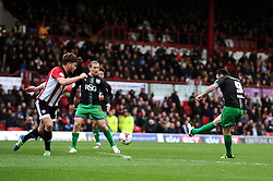 Lee Tomlin of Bristol City scores the opening goal - Mandatory by-line: Dougie Allward/JMP - 16/04/2016 - FOOTBALL - Griffin Park - Brentford, England - Brentford v Bristol City - Sky Bet Championship