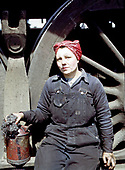 Fascinating Color Portrait Photos of Women Railroad Workers During WWII