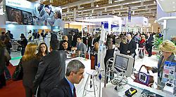 Movimento de público na HOSPITALAR 2009 - 16ª Feira Internacional de Produtos, Equipamentos, Serviços e Tecnologia para Hospitais, Laboratórios, Clínicas e Consultórios, que acontece de 2 a 5 de junho de 2009, no Expo Center Norte, em São Paulo. FOTO: Jefferson Bernardes/Preview.com