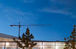 THEMENBILD - Baukräne am Abendhimmel beim Hauptbahnhof Wien, aufgenommen am 03. Juli 2017, Wien, Österreich // Construction cranes in the evening sky at the central station, Vienna, Austria on 2017/07/03. EXPA Pictures © 2017, PhotoCredit: EXPA/ JFK