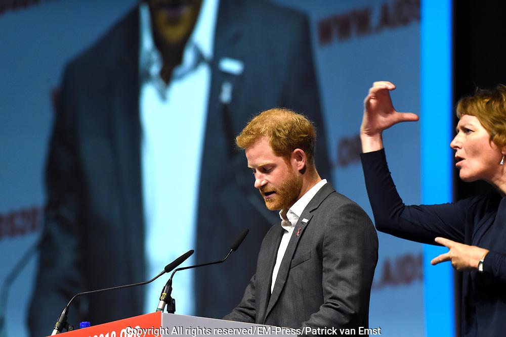 Zanger Elton John en de Britse prins Harry tijdens een sessie op het AIDS2018 congres over het werk van de Elton John Aids Foundation.<br /> <br /> Singer Elton John and the British Prince Harry during a session at the AIDS2018 congress about the work of the Elton John Aids Foundation.<br /> <br /> Op de foto:  Prins Harry, hertog van Sussex / Prince Harry, Duke of Sussex