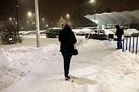 Bialystok, 16.01.2021. Gwaltowny atak zimy, w ciagu paru godzin przybylo kilkanascie centymetrow sniegu N/z zasniezony dworzec PKP Bialystok fot Michal Kosc / AGENCJA WSCHOD