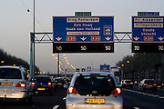 File op de A20, ring Rotterdam.