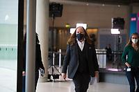 DEU, Deutschland, Germany, Berlin, 18.05.2021: Anton Hofreiter, Vorsitzender der Bundestagsfraktion von BÜNDNIS 90/DIE GRÜNEN, auf dem Weg zu einem Pressestatement im Deutschen Bundestag.