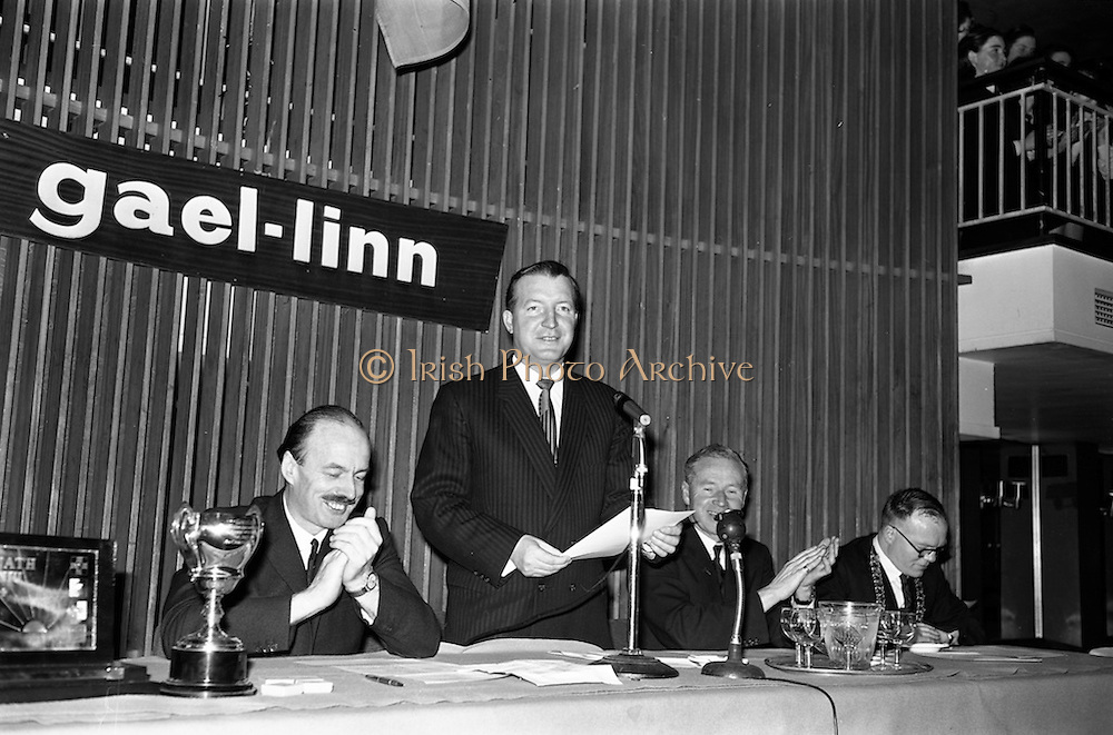 25/04/1964<br /> 04/25/1964<br /> 25 April 1964<br /> Gael Linn Debating Competition final at the Shelbourne Hotel, Dublin. Mr. Charles Haughey, Minister for Justice, opening the competition. Also in the image are (from left) Donall O'Morain, (Ceannasai, Gael Linn), Proinsias Mac an Bheatha, (Stiurthoir, Inniu) and the Mayor of Kilkenny, Tomas O Dubhsthaine.