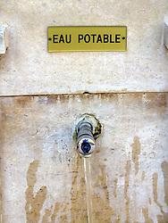 April 18, 2018 - Water fountain in the Rue | Fontaine dans la rue eau potable 18/04/2018 (Credit Image: © GéRard Houin/Belga via ZUMA Press)