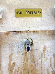 April 18, 2018 - Water fountain in the Rue | Fontaine dans la rue eau potable 18/04/2018 (Credit Image: © GéRard Houin/Belga via ZUMA Press)