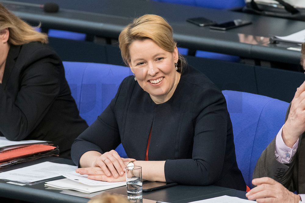 14 FEB 2019, BERLIN/GERMANY:<br /> Franziska Giffey, MdB, SPD, Bundesfamilienministerin, Bundestagsdebatte, Plenum, Deutscher Bundestag<br /> IMAGE: 20190214-01-047<br /> KEYWORDS: Bundestag, Debatte