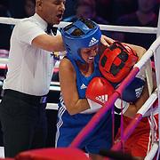 NLD/Amsterdam/20181107 - Opname Boxingstars 2018, 2e aflevering, Amanda Tsatsos - Balk in gevecht tegen Michaella Kox