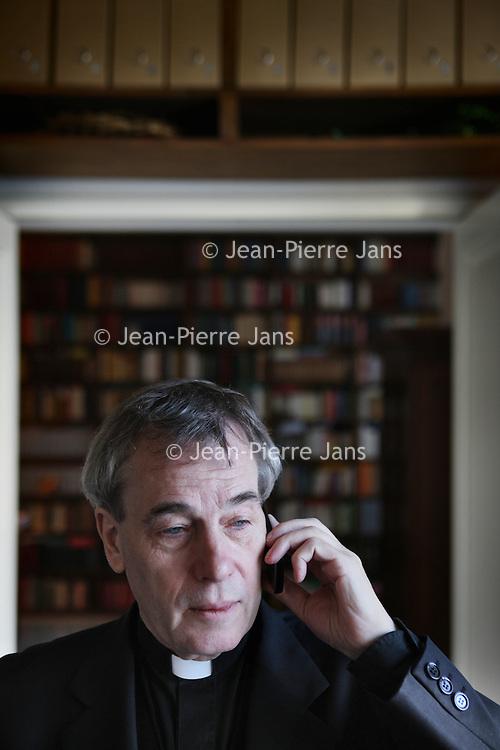 Nederland, Amsterdam , 15 december 2010..Antoine Bodar is een Nederlands rooms-katholiek priester, kunsthistoricus en auteur van diverse theologische boeken en hoogleraar..Foto:Jean-Pierre Jans
