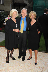 Left to right, actress HONOR BLACKMAN, actor NICKOLAS GRACE and actress HELEN WORTH at the Goring Hotel Summer party, Goring Hotel, 15 Beeston Place, London on 17th September 2008.