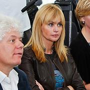 NLD/Den Haag/20100906 - Start Alfabetiseringsweek met installatie forum A tot Z, Paul Scheffer, Daphne Deckers