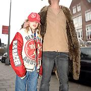 NLD/Amsterdam/20061228 - Premiere De Reuzenkrokodil, aankomst Anthonie Kamerling en zoon Merlijn