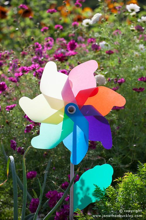 Plastic windmill bird scarer