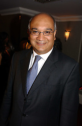 KEITH VAZ MP at the 10th Anniversary Asian Business Awards 2006 at the London Grosvenor Hotel Park Lane, London on 19th April 2006.<br />
