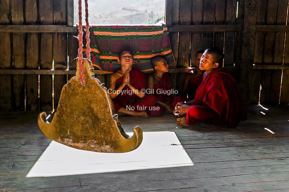 Myanmar, ex Birmanie, pays de l'état Shan, monastère bouddhiste dans village de l'ethnie pao, campagne région de la ville de Kalaw // Myanmar, ex Burma, Shan state land, bouddhist monastery in a pao village etnhy, region of Kalaw city
