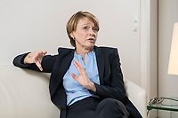 03 SEP 2018, BERLIN/GERMANY:<br /> Elke Buedenbender, Juristin und Gattin des Bundespraesidenten, wahrend einem Interview, in Ihrem Buero, Schloss Bellevue<br /> IMAGE: 20180903-01-016<br /> KEYWORDS: Elke Büdenbender, First Lady