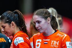 Martine Smeets of Netherlands, Laura van der Heijden of Netherlands before the Women's EHF Euro 2020 match between Netherlands and Germany at Sydbank Arena on december 14, 2020 in Kolding, Denmark (Photo by RHF Agency/Ronald Hoogendoorn)