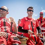© María Muiña I MAPFRE: Xabi Fernández, Blair Tuke y Pablo Arrarte entrenando a bordo del MAPFRE. Xabi Fernández, Blair Tuke and Pablo Arrarte training on board MAPFRE.