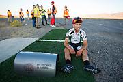 Andrea Gallo tijdens de vijfde racedag. In Battle Mountain (Nevada) wordt ieder jaar de World Human Powered Speed Challenge gehouden. Tijdens deze wedstrijd wordt geprobeerd zo hard mogelijk te fietsen op pure menskracht. Het huidige record staat sinds 2015 op naam van de Canadees Todd Reichert die 139,45 km/h reed. De deelnemers bestaan zowel uit teams van universiteiten als uit hobbyisten. Met de gestroomlijnde fietsen willen ze laten zien wat mogelijk is met menskracht. De speciale ligfietsen kunnen gezien worden als de Formule 1 van het fietsen. De kennis die wordt opgedaan wordt ook gebruikt om duurzaam vervoer verder te ontwikkelen.<br /> <br /> In Battle Mountain (Nevada) each year the World Human Powered Speed Challenge is held. During this race they try to ride on pure manpower as hard as possible. Since 2015 the Canadian Todd Reichert is record holder with a speed of 136,45 km/h. The participants consist of both teams from universities and from hobbyists. With the sleek bikes they want to show what is possible with human power. The special recumbent bicycles can be seen as the Formula 1 of the bicycle. The knowledge gained is also used to develop sustainable transport.