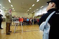 """23 APR 2006, BERLIN/GERMANY:<br /> Franz Muentefering, SPD, Bundesarbeitsminister, haelt eine Rede, vor der Siegerehrung, Kiez-Fussballturnier """"Xhain kickt"""", 3. SPD Fussballturnier fuer E-Jugend mit acht Mannschaften aus Friedrichshain-Kreuzberg, Lobeckhalle, Berlin-Kreuzberg<br /> IMAGE: 20060423-01-025<br /> KEYWORDS: Fußball, speech"""