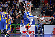 DESCRIZIONE : Eurolega Euroleague 2015/16 Group D Dinamo Banco di Sardegna Sassari - Maccabi Fox Tel Aviv<br /> GIOCATORE : MarQuez Haynes<br /> CATEGORIA : Tiro Penetrazione Stoppata<br /> SQUADRA : Dinamo Banco di Sardegna Sassari<br /> EVENTO : Eurolega Euroleague 2015/2016<br /> GARA : Dinamo Banco di Sardegna Sassari - Maccabi Fox Tel Aviv<br /> DATA : 03/12/2015<br /> SPORT : Pallacanestro <br /> AUTORE : Agenzia Ciamillo-Castoria/L.Canu
