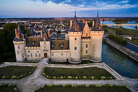 France, Loiret (45), Val de Loire classé Patrimoine Mondial de l'UNESCO, Sully-sur-Loire, Château de Sully-sur-Loire, XIVe-XVIIIe siècles // France, Loiret (45), Loire Valley listed as World Heritage by UNESCO, Sully-sur-Loire, Sully-sur-Loire castle, 14th-18th centuries