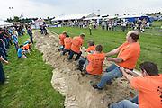 Nederland, Horssen, 11-8-2013Hier vonden dit weekend de Betuwse oogstdagen plaats.Er was het Nederlands kampioenschap hooistapelen en touwtrekken voor teams uit de regio, omgeving.Foto: Flip Franssen/Hollandse Hoogte