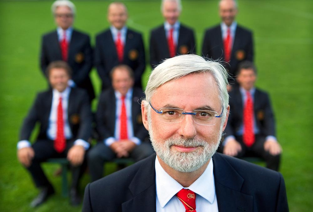 Nederland, Amsterdam, 18-08-2010.<br /> Voetbal, Amateurs, Topklasse.<br /> Machiel van der Woude, voorzitter van AFC uit Amsterdam, met het bestuur van AFC op de achtergrond.<br /> Foto : Klaas Jan van der Weij