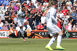 Anthony Martial of Manchester United crosses to Wayne Rooney of Manchester United who scores a goal to make it 0-2  - Rogan Thomson/JMP - 14/08/2016 - FOOTBALL - Vitality Stadium - Bournemouth, England - Bournemouth v Manchester United - Premier League Opening Weekend.