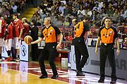 DESCRIZIONE : Venezia Lega A 2013-14 Umana Reyer Venezia Giorgio Tesi Group Pistoia<br /> GIOCATORE : luigi lamonica arbitro emanuele aronne arbitro<br /> CATEGORIA :  before<br /> SQUADRA : Umana Reyer Venezia Giorgio Tesi Group Pistoia<br /> EVENTO : Campionato Lega A 2013-2014<br /> GARA : Umana Reyer Venezia Giorgio Tesi Group Pistoia<br /> DATA : 06/04/2014<br /> SPORT : Pallacanestro<br /> AUTORE : Agenzia Ciamillo-Castoria/G.Contessa<br /> Galleria : Lega Basket A 2013-2014<br /> Fotonotizia :  Venezia Lega A 2013-14 Umana Reyer Venezia Giorgio Tesi Group Pistoia<br /> Predefinita :