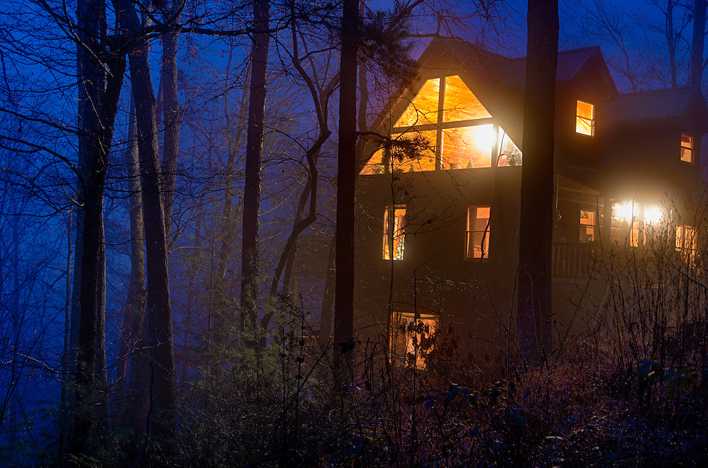 View of tipycal cabin log in the Smoky Mountain National Park area.