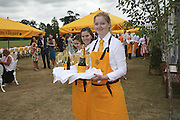 Waiters, Veuve Clicquot Gold Cup 2006. Final day. 23 July 2006. ONE TIME USE ONLY - DO NOT ARCHIVE  © Copyright Photograph by Dafydd Jones 66 Stockwell Park Rd. London SW9 0DA Tel 020 7733 0108 www.dafjones.com