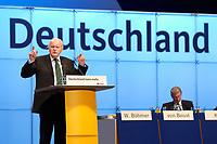 """01 DEC 2003, BERLIN/GERMANY:<br /> Roman Herzog, Bundespraesident a.D. und Vorsitzender der CDU Kommission """"Soziale Sicherheit"""", haelt eine Rede vor dem Schriftzug """"Deutschland"""",17. CDU Parteitag, Messe Leipzig<br /> IMAGE: 20031201-01-126<br /> KEYWORDS: party congress, speech, Rentenkommission"""