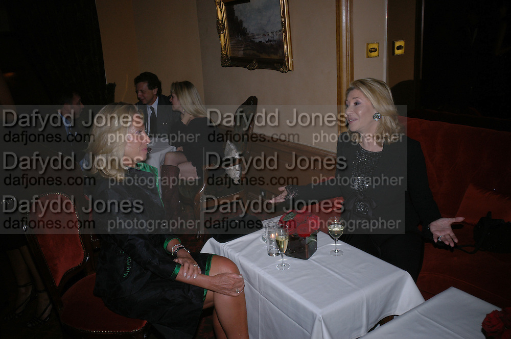 Alice Bamford and Lady Bamford. Valentino couture show, Ecole Nationale Superiore des Beaux -Arts, rue Bonaparte. After party at the Ritz. 23 January  2006.  ONE TIME USE ONLY - DO NOT ARCHIVE  © Copyright Photograph by Dafydd Jones 66 Stockwell Park Rd. London SW9 0DA Tel 020 7733 0108 www.dafjones.com