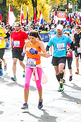 ING New York CIty Marathon: Hala Si-Ahmed runs with quarter mile to go in race